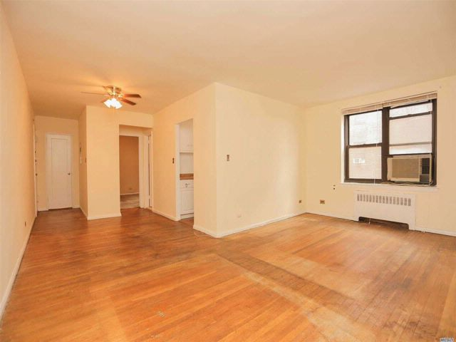 1 BR,  1.00 BTH  Co-op style home in East Elmhurst